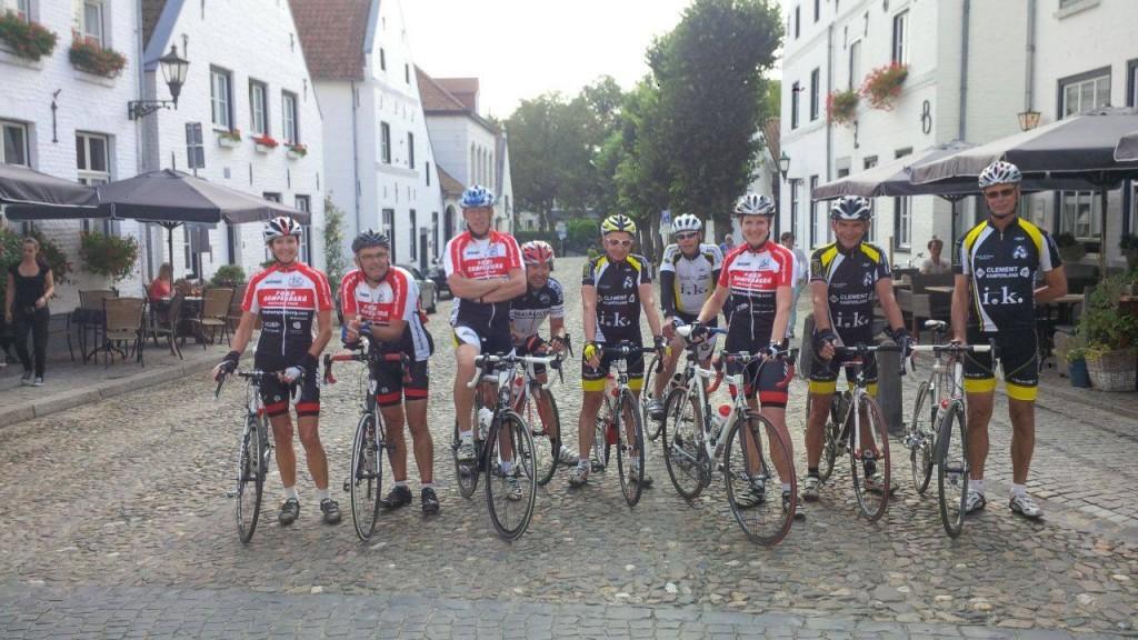 Fietsweekend Limburg met Yolanda, Gerrit, Leo, Thijs, Kees, Patrick, Annemie, Jan en Ko in Thorn op zaterdag 13 september