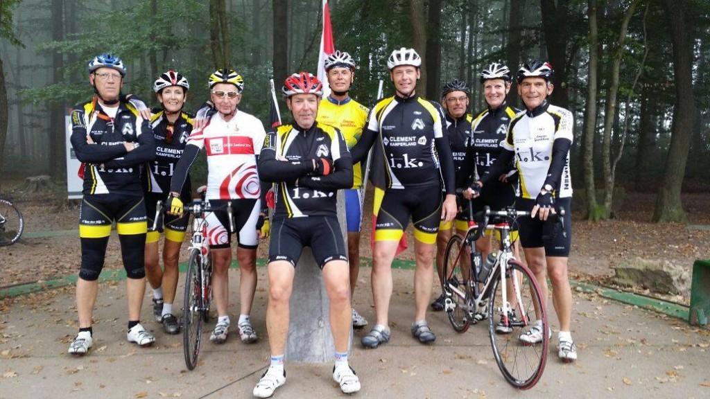 Zondag 14 september op het hoogste punt van Nederland in Vaals met Leo, Yolanda, Kees, Thijs, Ko, Patrick, Gerrit, Annemie en Jan.