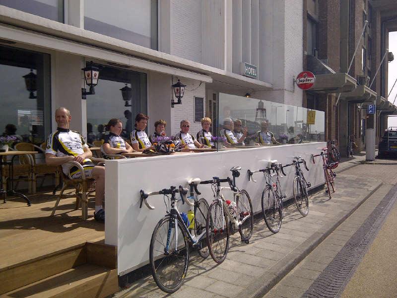 Koffie met Appelgebak bij de Belgische Loodsensocieteit aan de Boulevard